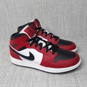 Jordan 1 Mid Chicago Black Toe  Sz 8.5